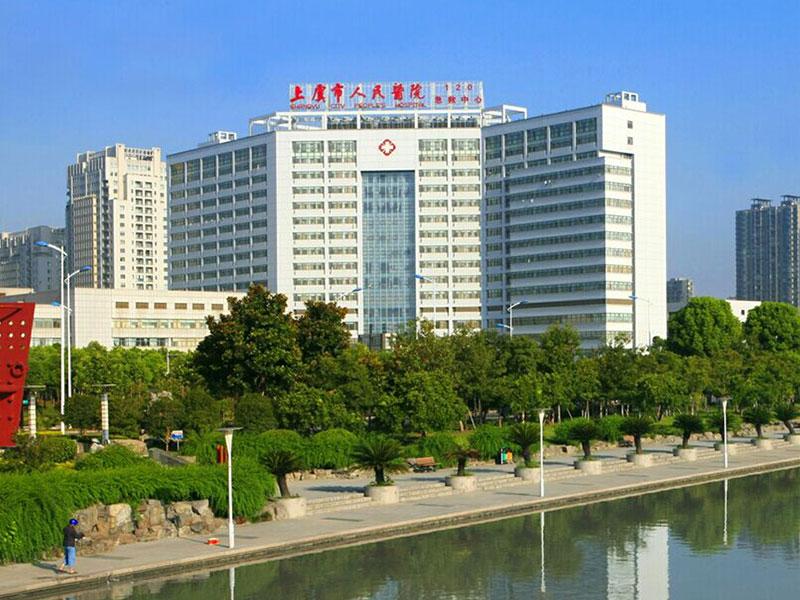 浙江医院壁挂式广告机应用案例